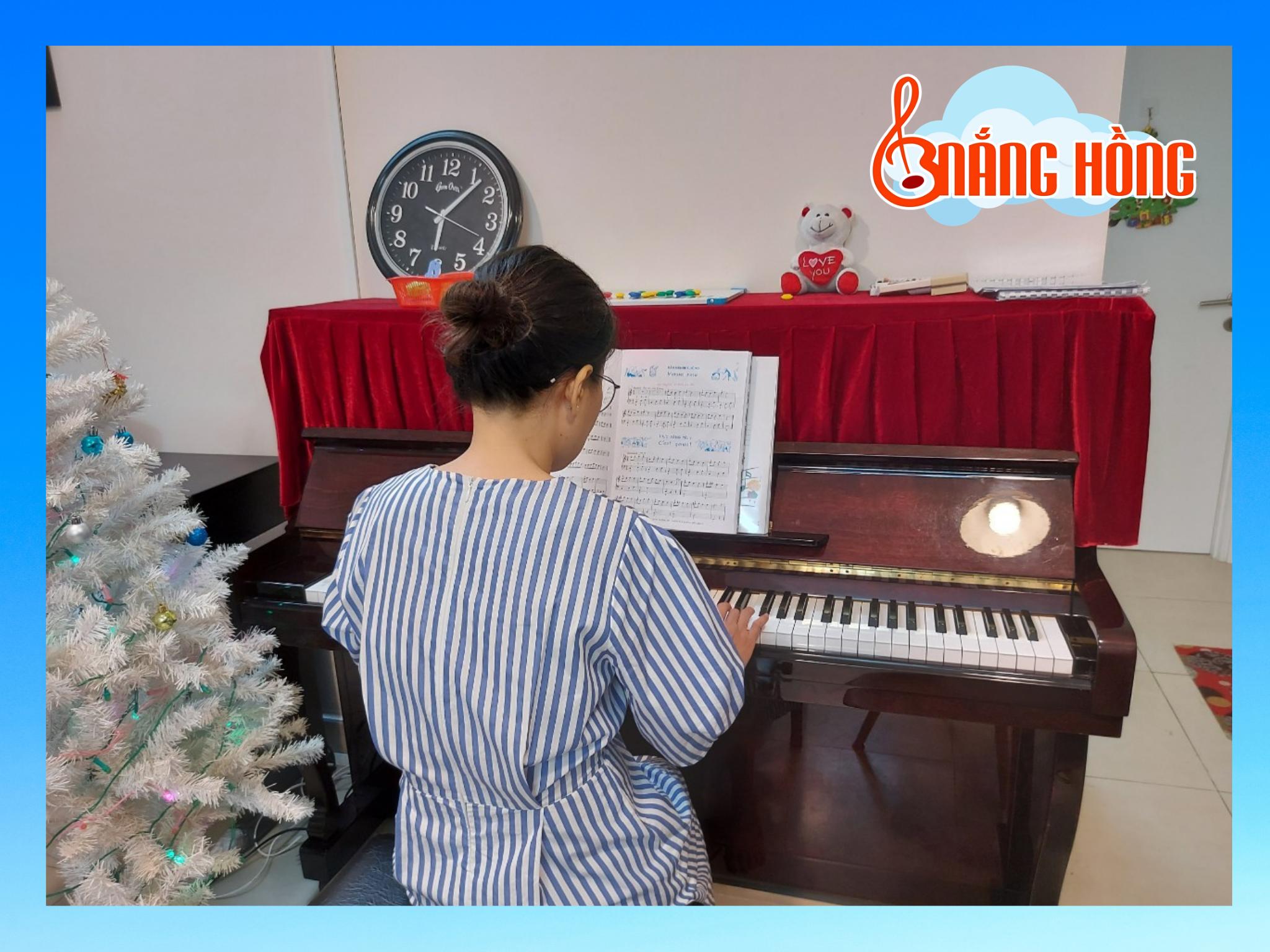 lớp học piano người lớn