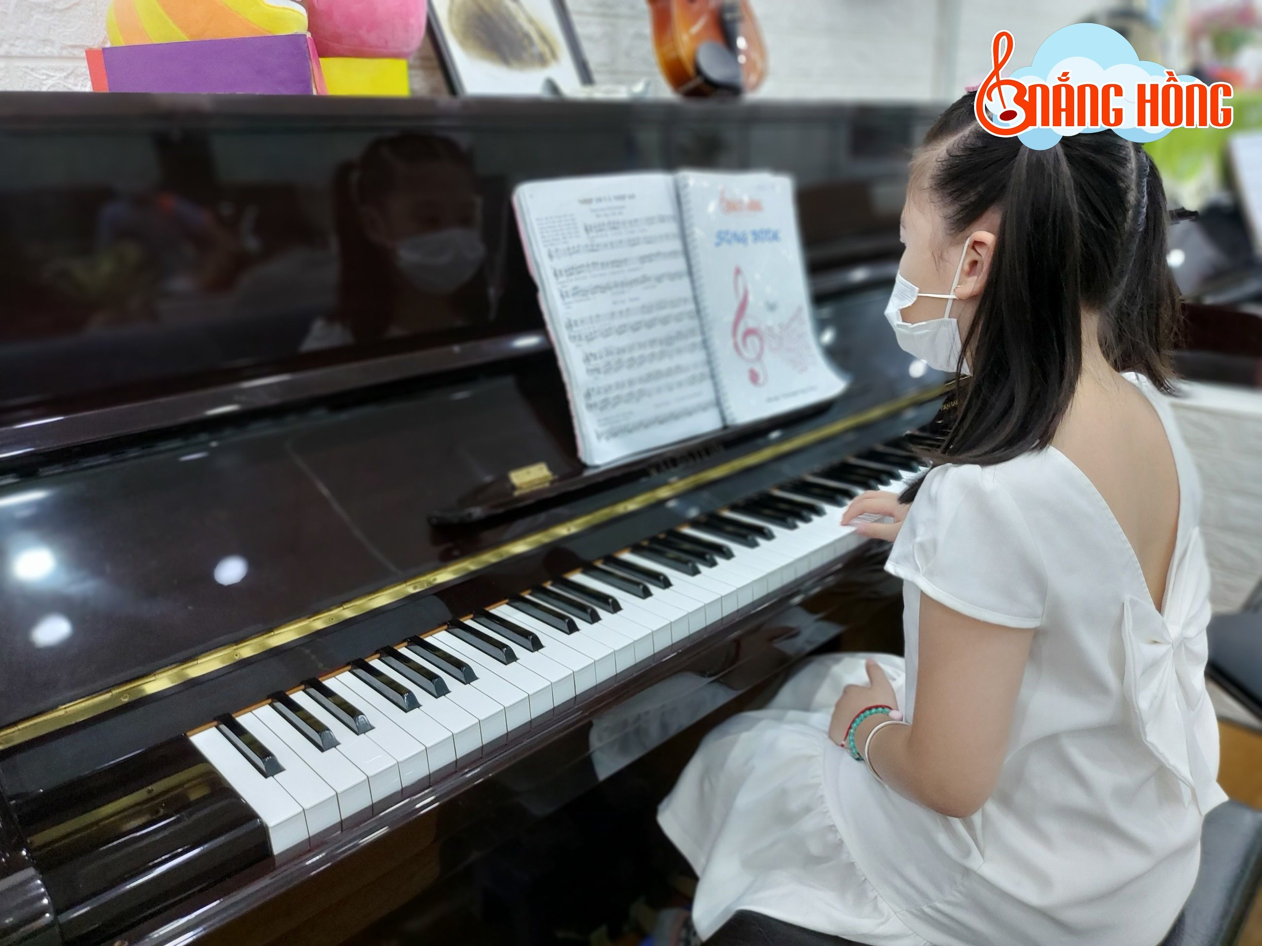 Nắng Hồng Music - địa chỉ cho thuê đàn uy tín