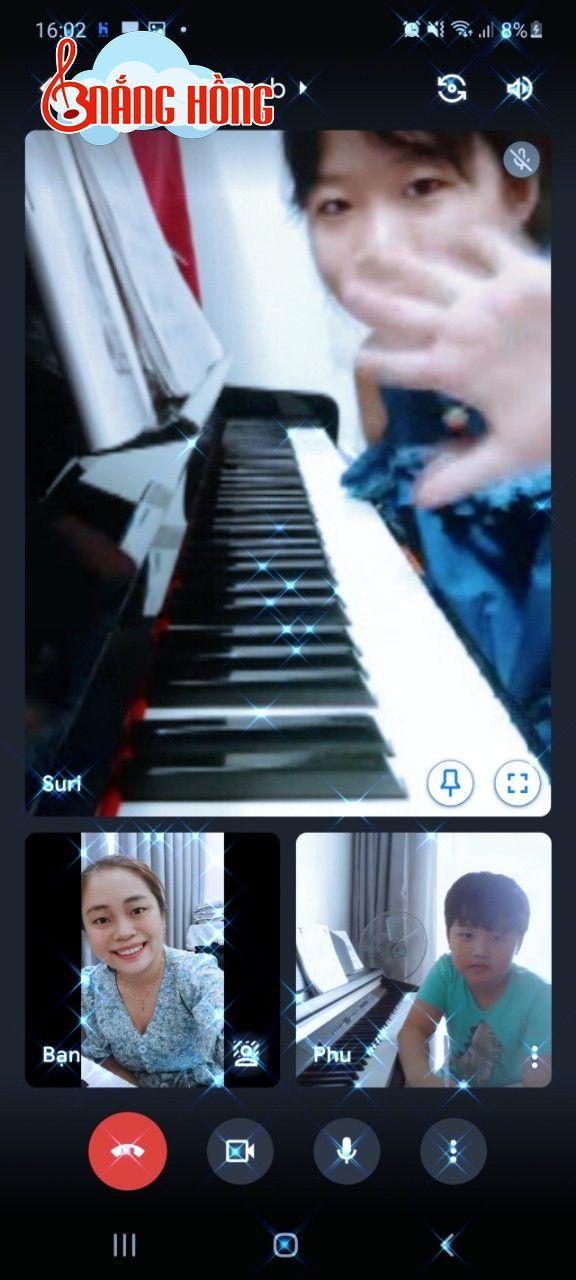 Một buổi học online cùng Nắng Hồng