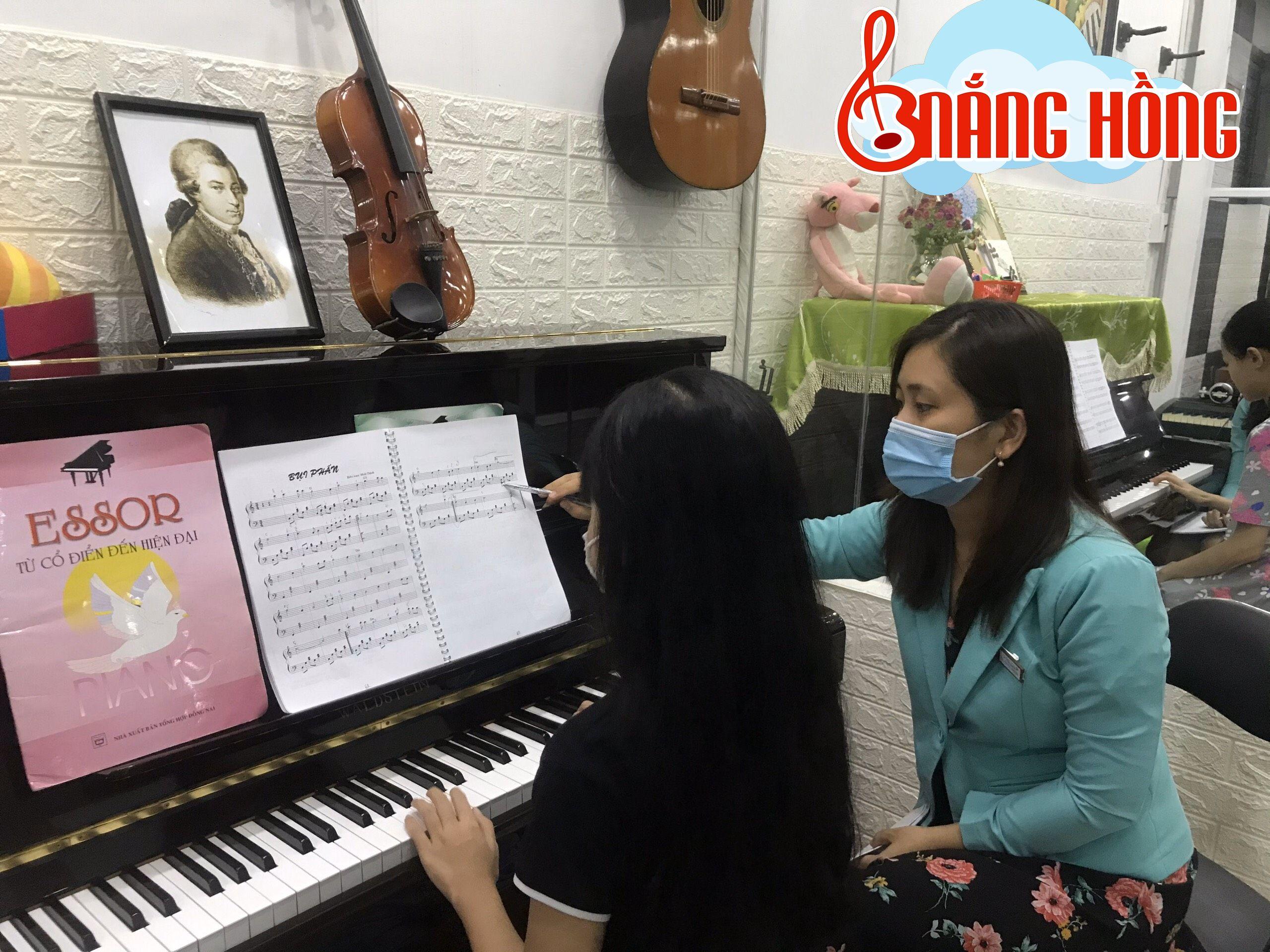 HỌC PIANO BAO LÂU THÌ ĐÀN ĐƯỢC 1 BÀI?