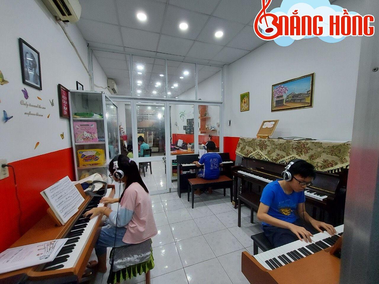Một lớp học tại Nắng Hồng Music quận Gò Vấp